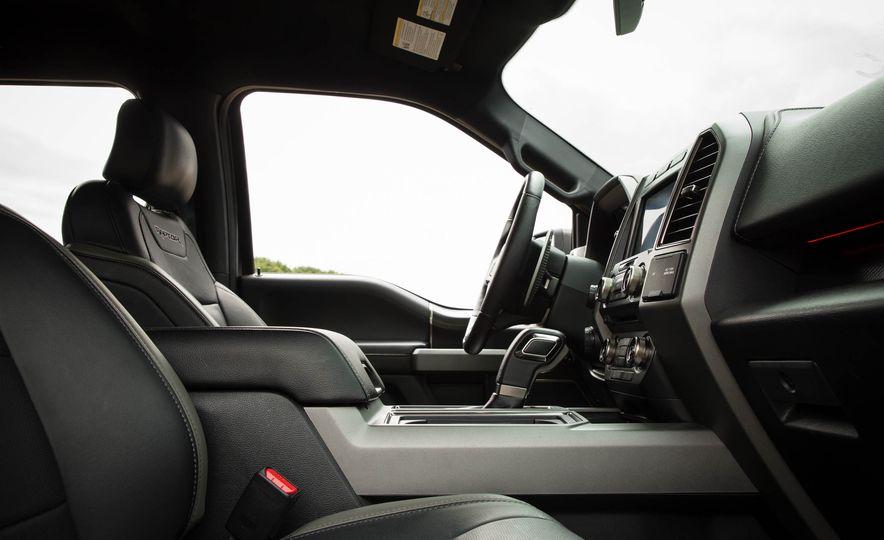 2017 Ford F-150 Raptor - Slide 61
