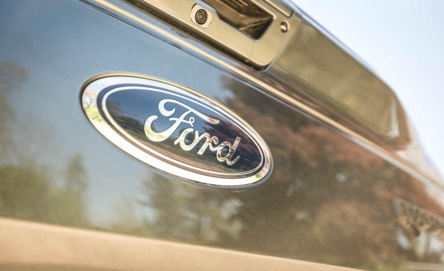 2017 Ford F-150 Raptor - Slide 82