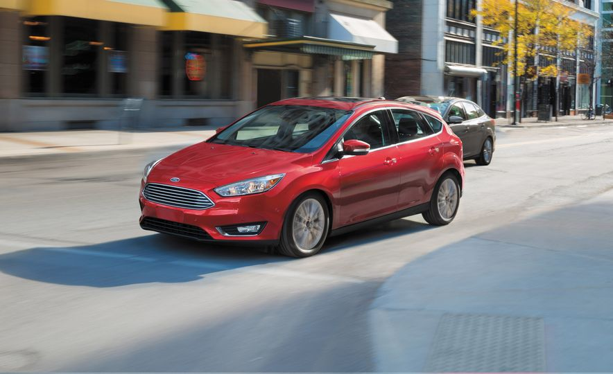 2016 Ford Focus - Slide 1