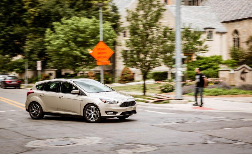 2016 Ford Focus - Slide 2