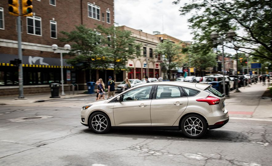 2016 Ford Focus - Slide 4