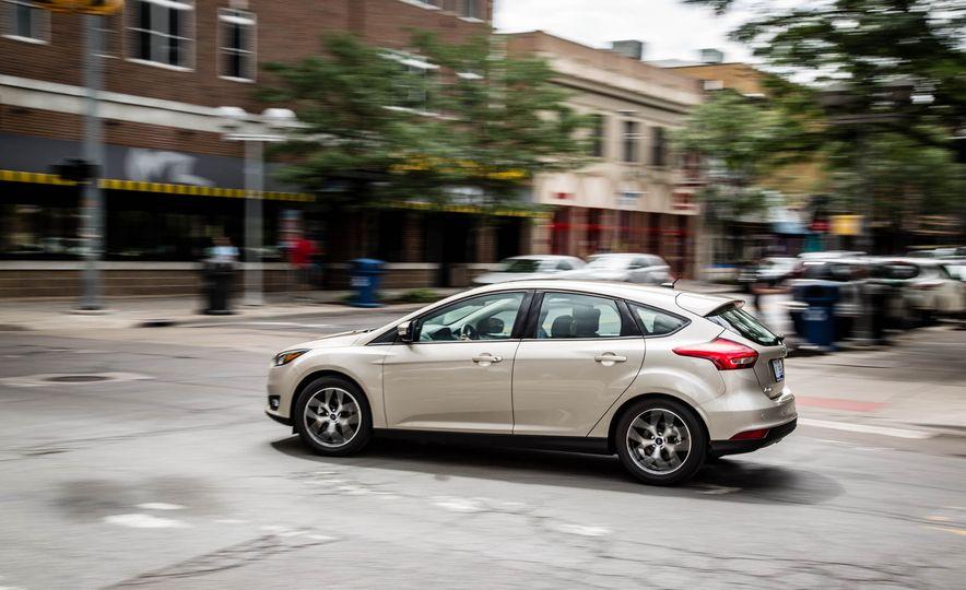 2016 Ford Focus - Slide 5
