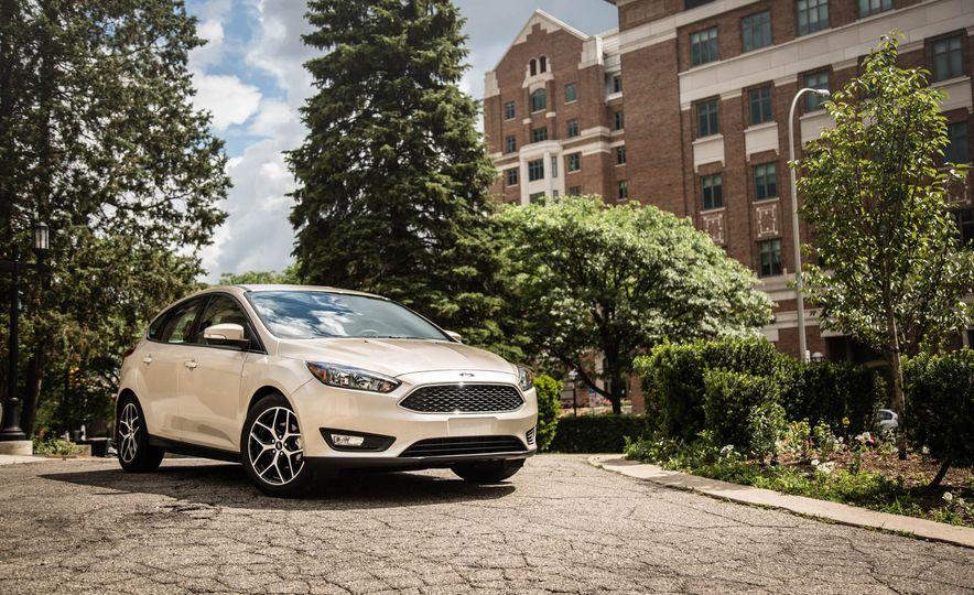 2016 Ford Focus - Slide 7