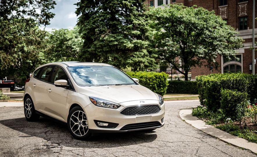 2016 Ford Focus - Slide 8