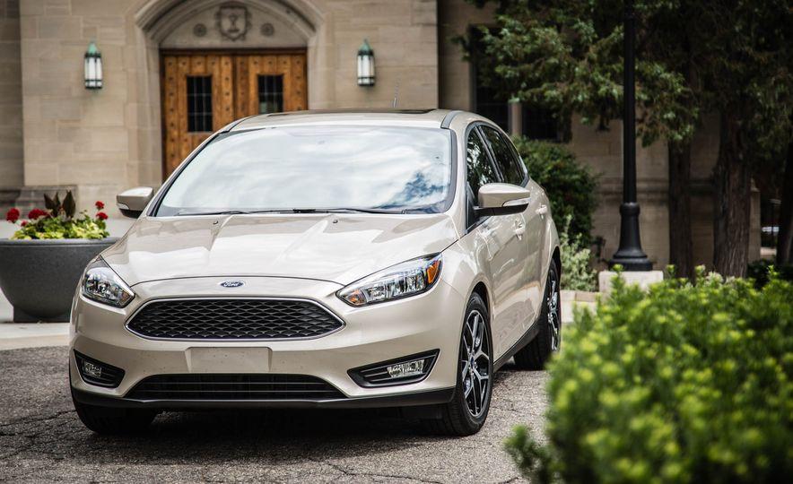 2016 Ford Focus - Slide 10
