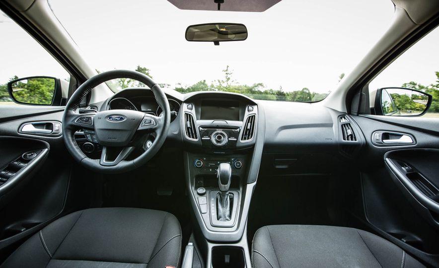 2016 Ford Focus - Slide 18