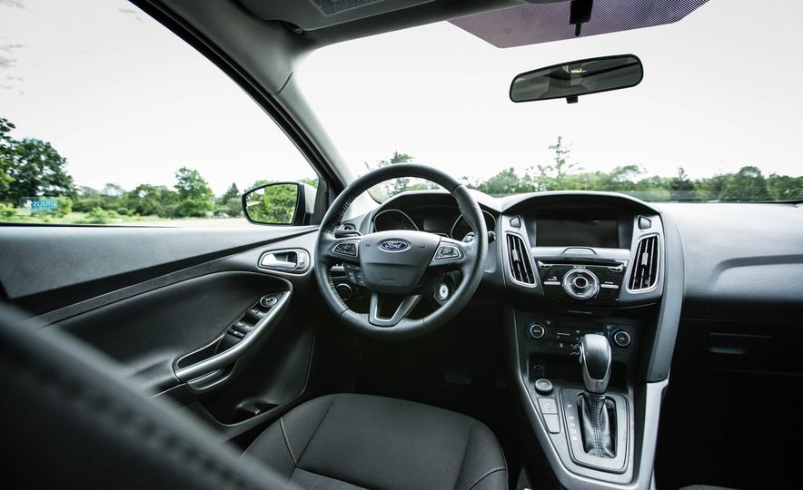 2016 Ford Focus - Slide 19