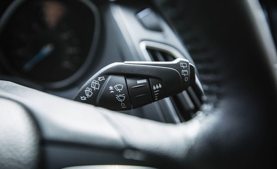 2016 Ford Focus - Slide 24