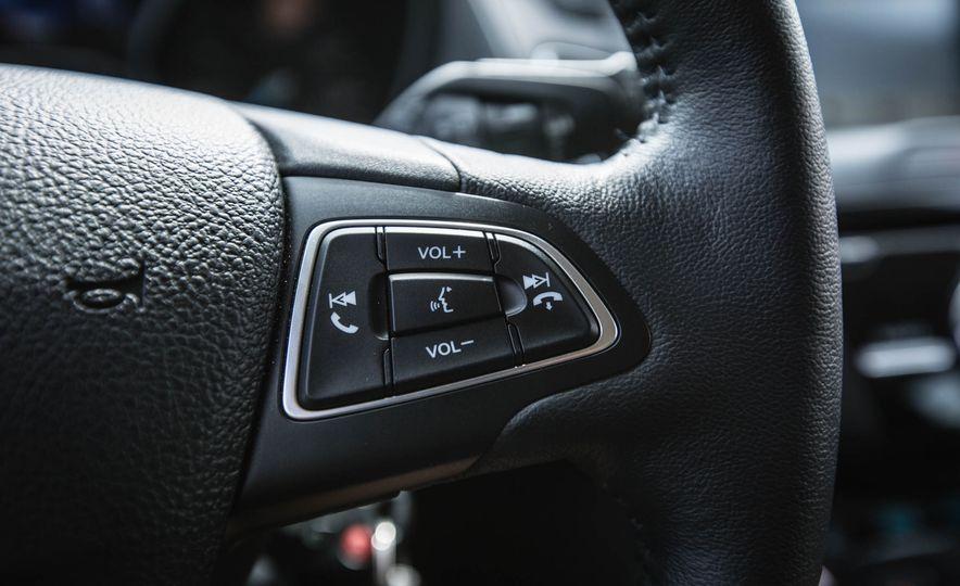 2016 Ford Focus - Slide 25