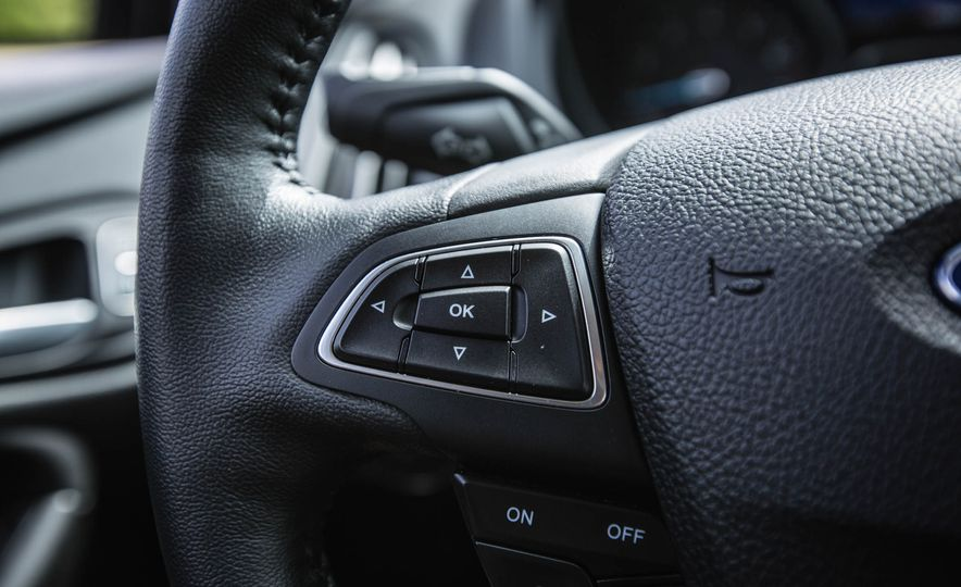 2016 Ford Focus - Slide 26