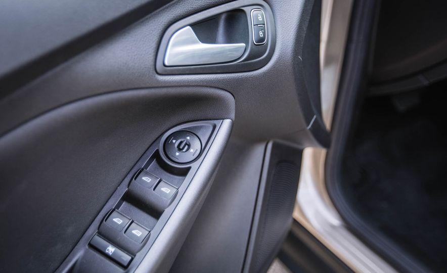 2016 Ford Focus - Slide 29
