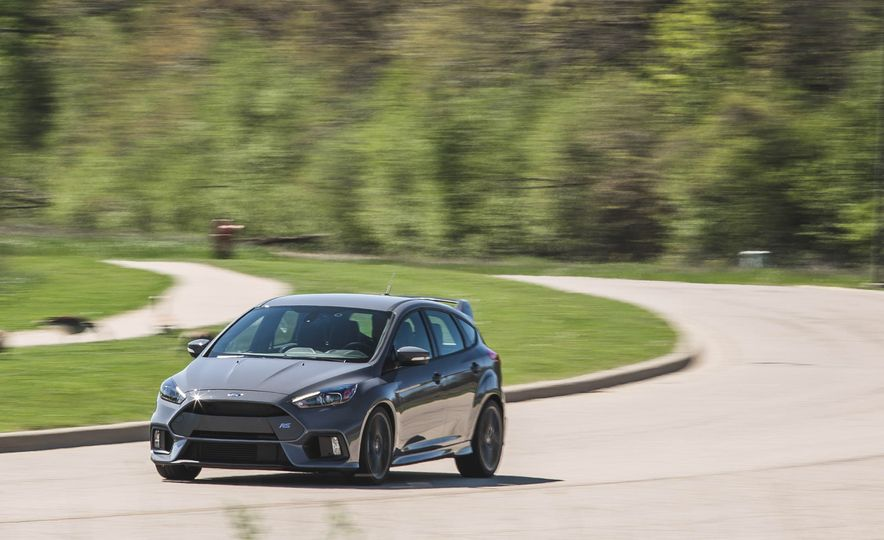 Ford Focus RS Heritage Edition - Slide 3