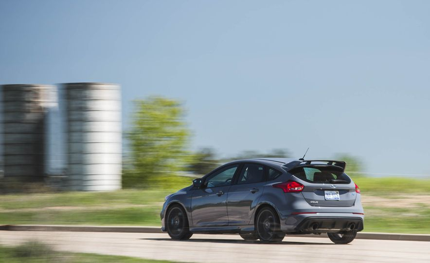 Ford Focus RS Heritage Edition - Slide 5