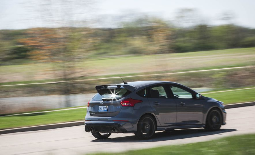 Ford Focus RS Heritage Edition - Slide 7