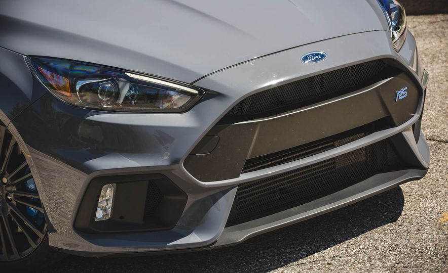 Ford Focus RS Heritage Edition - Slide 12