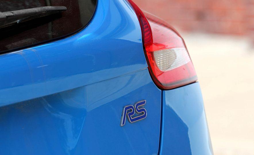 2017 Ford Focus RS - Slide 51