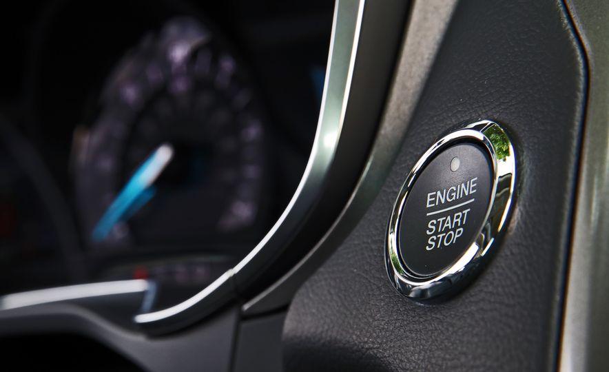 2017 Ford Fusion Hybrid - Slide 37