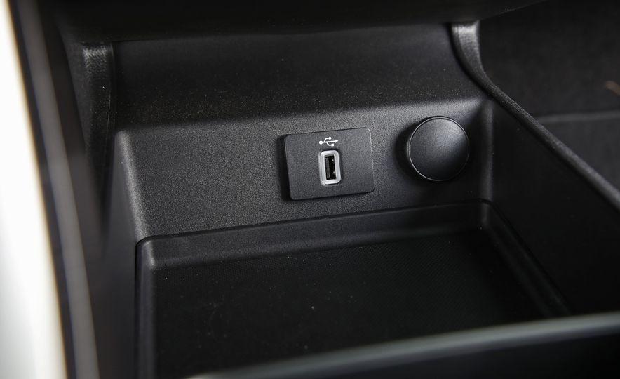 2017 Ford Fusion Hybrid - Slide 44