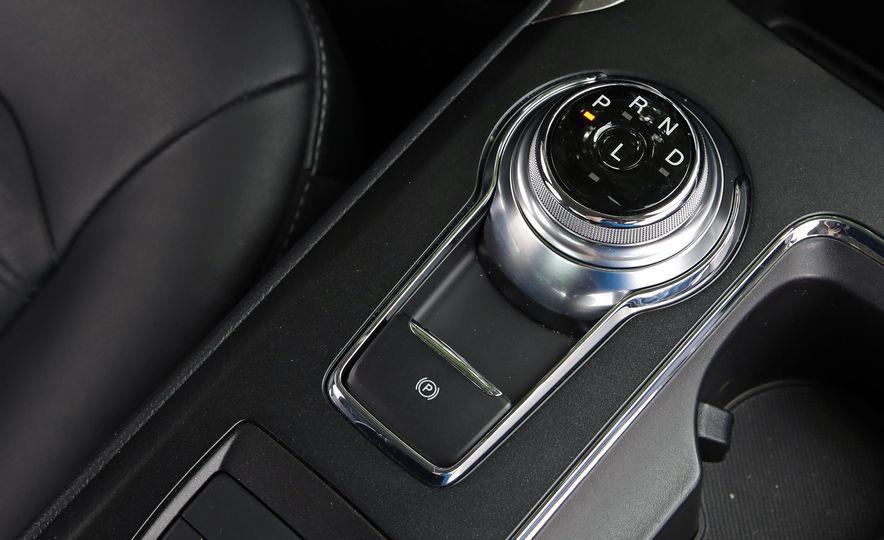 2017 Ford Fusion Hybrid - Slide 46