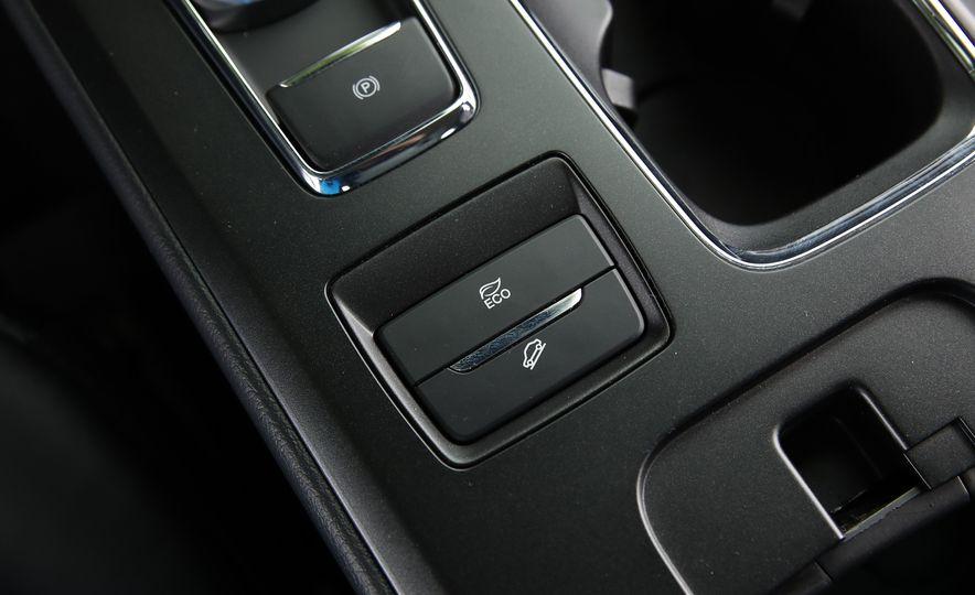 2017 Ford Fusion Hybrid - Slide 47