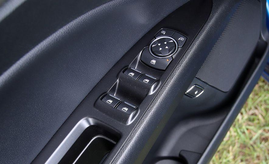 2017 Ford Fusion Hybrid - Slide 48
