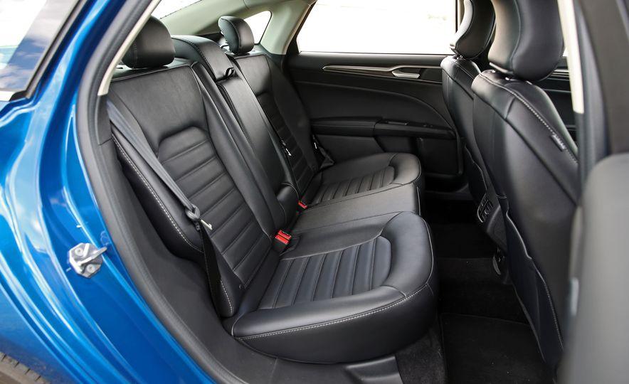 2017 Ford Fusion Hybrid - Slide 51