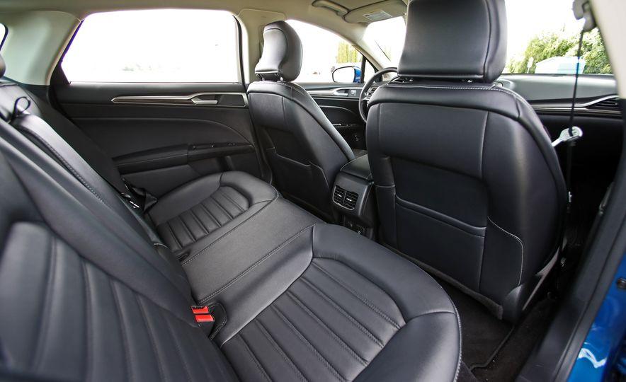 2017 Ford Fusion Hybrid - Slide 52