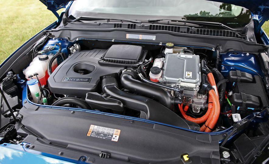2017 Ford Fusion Hybrid - Slide 58