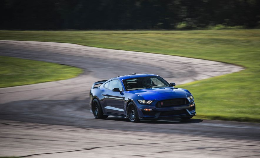 2017 Ford Mustang Shelby GT350 - Slide 9