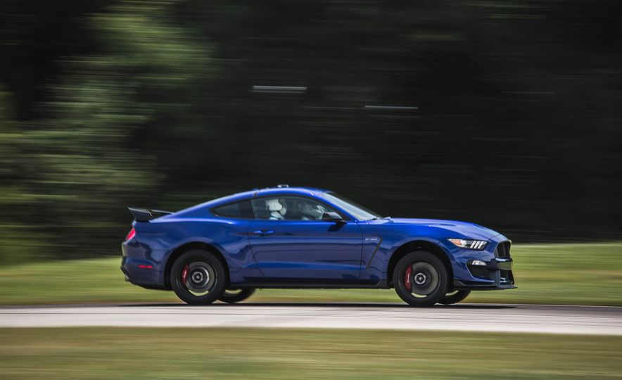2017 Ford Mustang Shelby GT350 - Slide 13