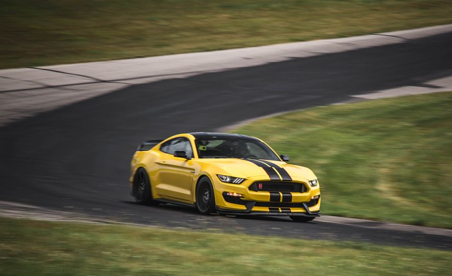 2017 Ford Mustang Shelby GT350 - Slide 14