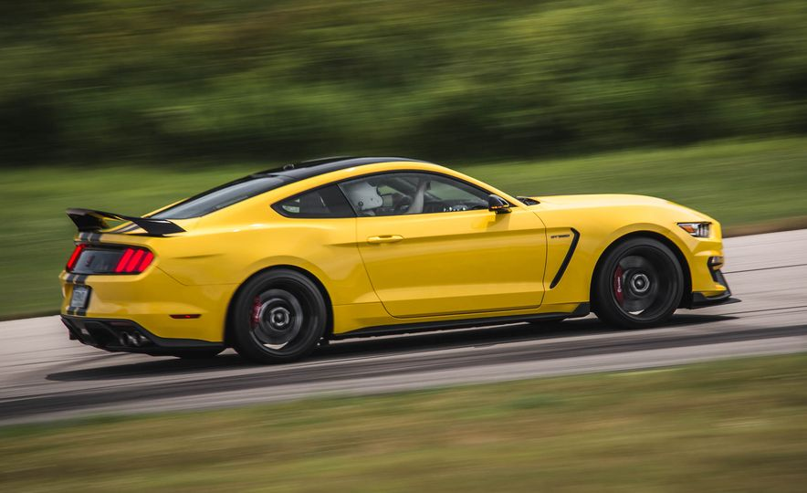 2017 Ford Mustang Shelby GT350 - Slide 17