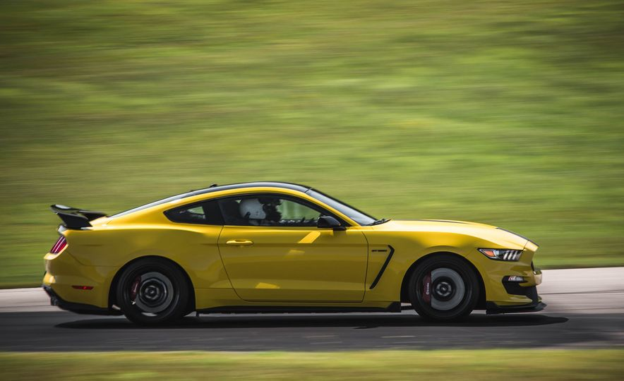 2017 Ford Mustang Shelby GT350 - Slide 19