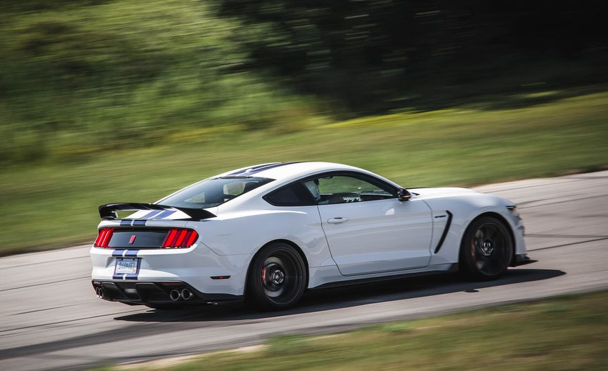 2017 Ford Mustang Shelby GT350 - Slide 21