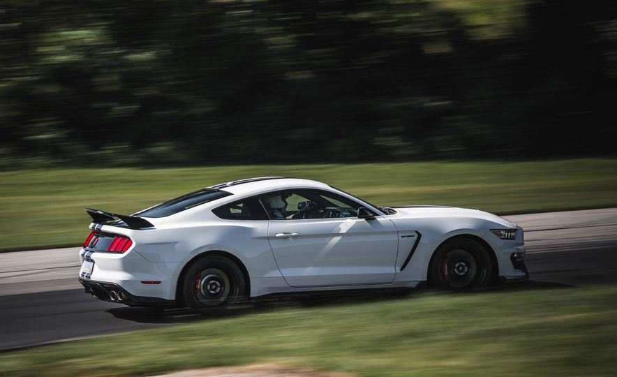 2017 Ford Mustang Shelby GT350 - Slide 23