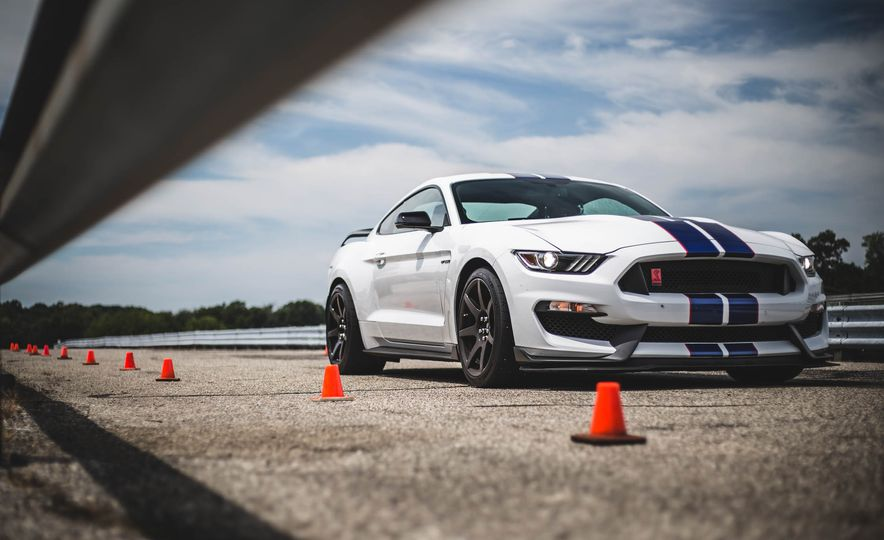 2017 Ford Mustang Shelby GT350 - Slide 26