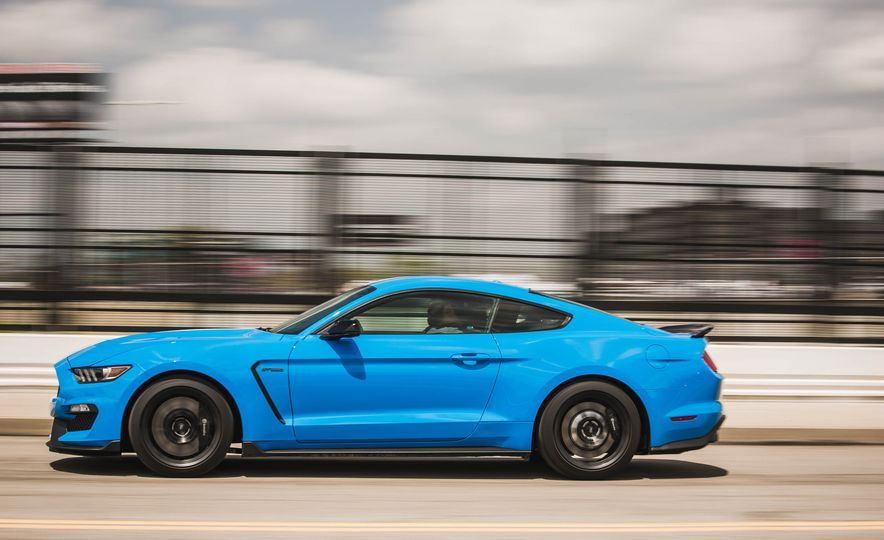 2017 Ford Mustang Shelby GT350 - Slide 57