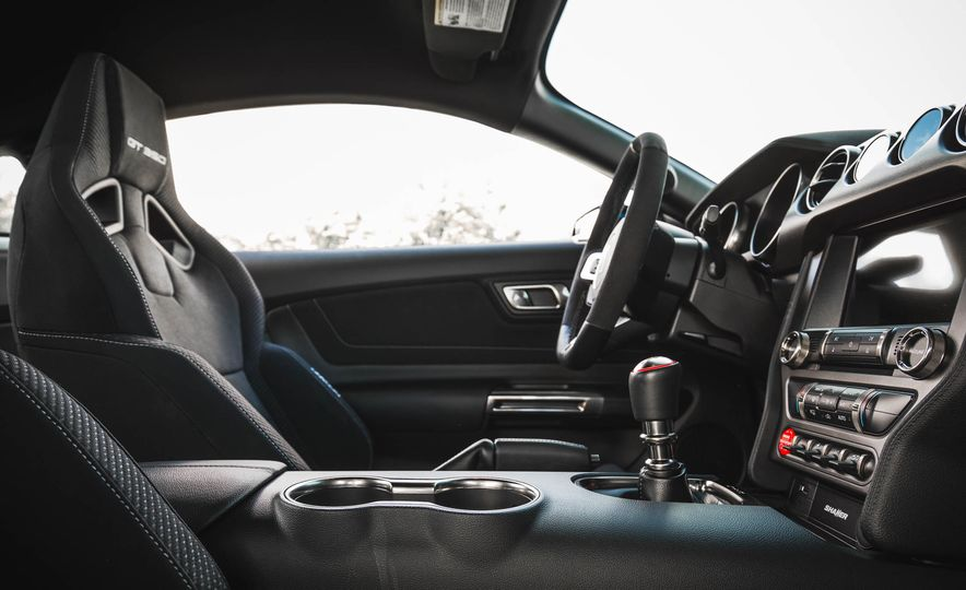2017 Ford Mustang Shelby GT350 - Slide 106