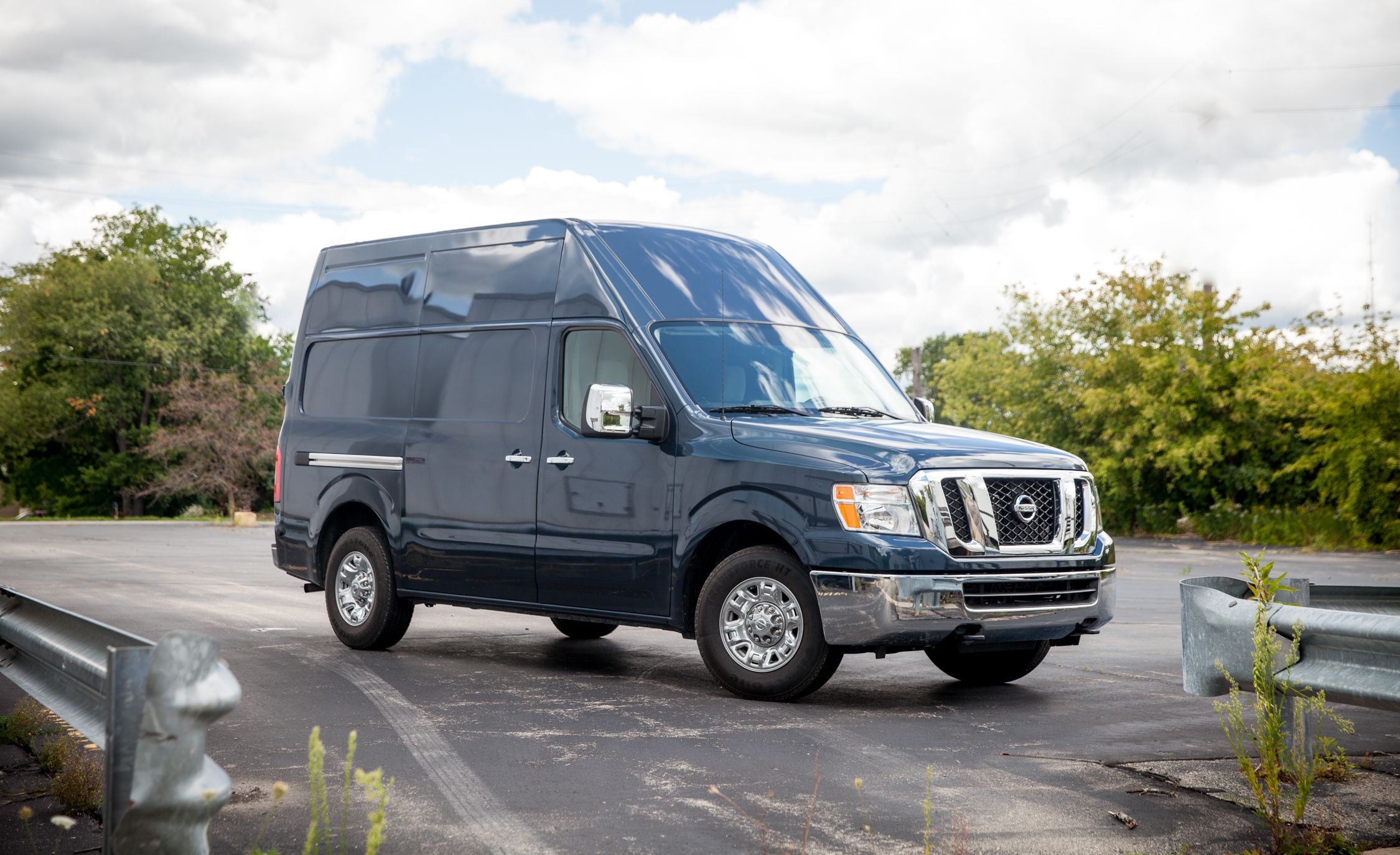2017 nissan nv1500 2500 3500 pictures photo gallery car and driver