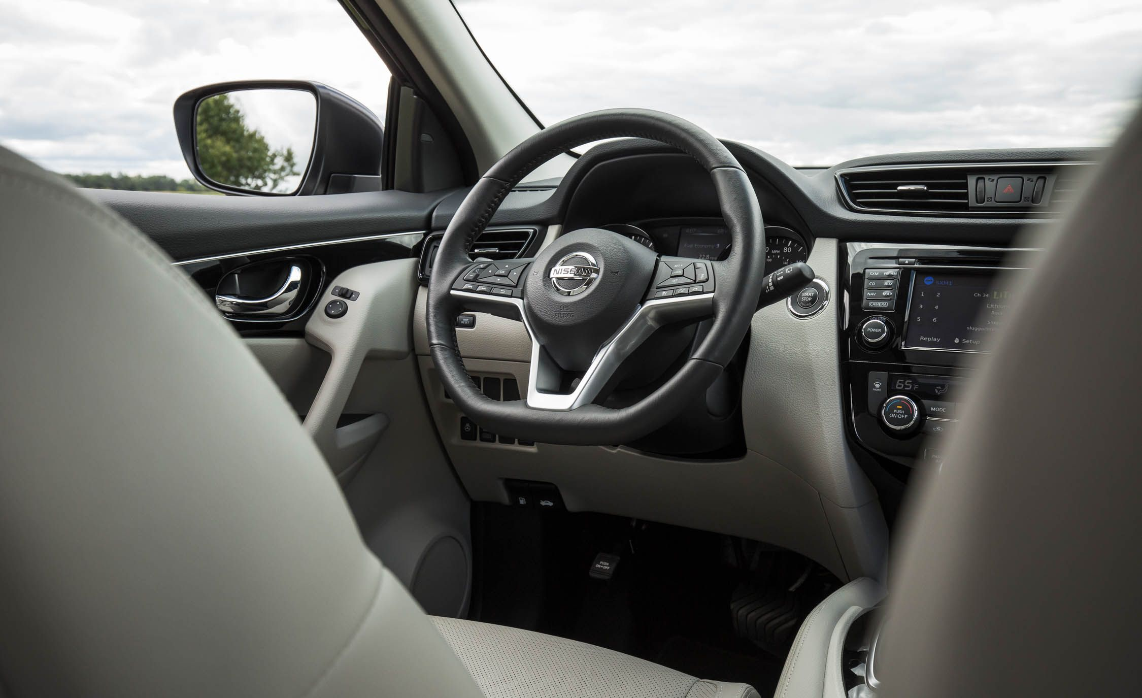 Nissan Rogue Sport Reviews Price Photos And 2014 Juke Steering Sunroof Wiring Diagram Specs Car Driver