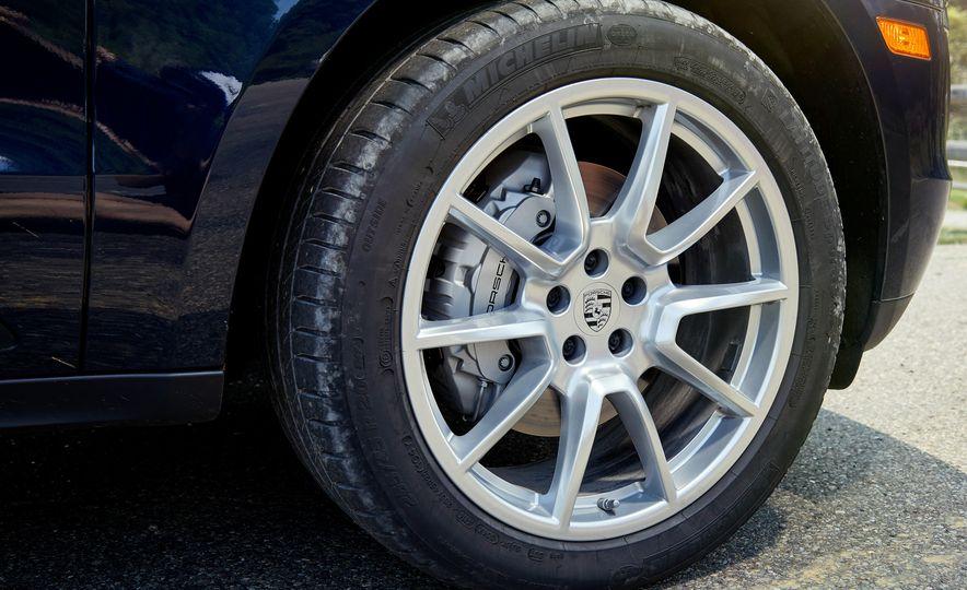 2017 Mercedes-AMG GLC43, 2018 Audi SQ5, and 2017 Porsche Macan S - Slide 30