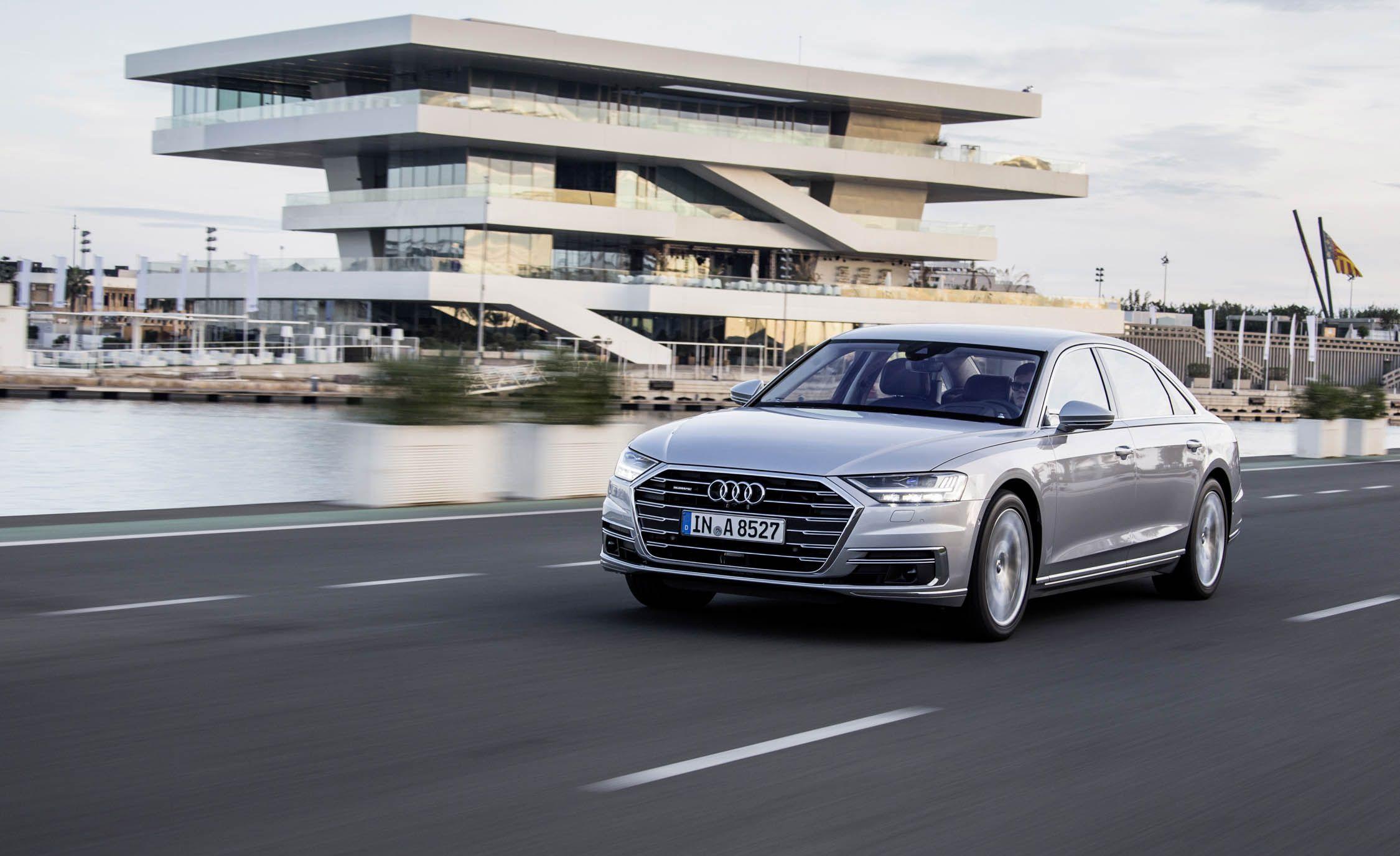 https://hips.hearstapps.com/amv-prod-cad-assets.s3.amazonaws.com/wp-content/uploads/2017/10/2018-Audi-A8-L-102.jpg