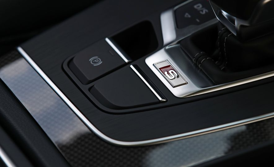 2017 Mercedes-AMG GLC43, 2018 Audi SQ5, and 2017 Porsche Macan S - Slide 16