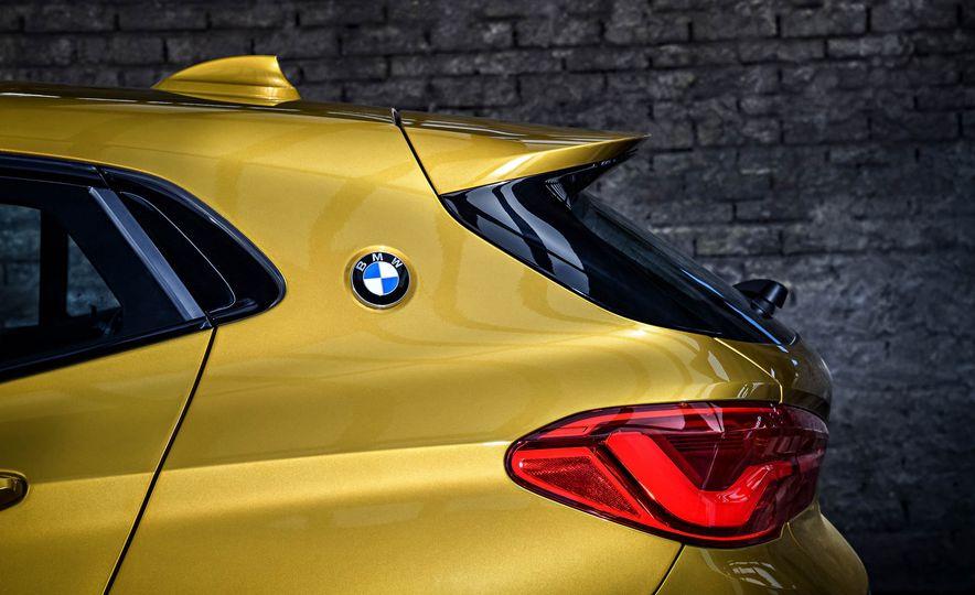 2018 BMW X2 (Euro-spec) - Slide 3
