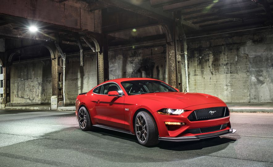 2018 Ford Mustang GT with Performance Pack Level 2 - Slide 3