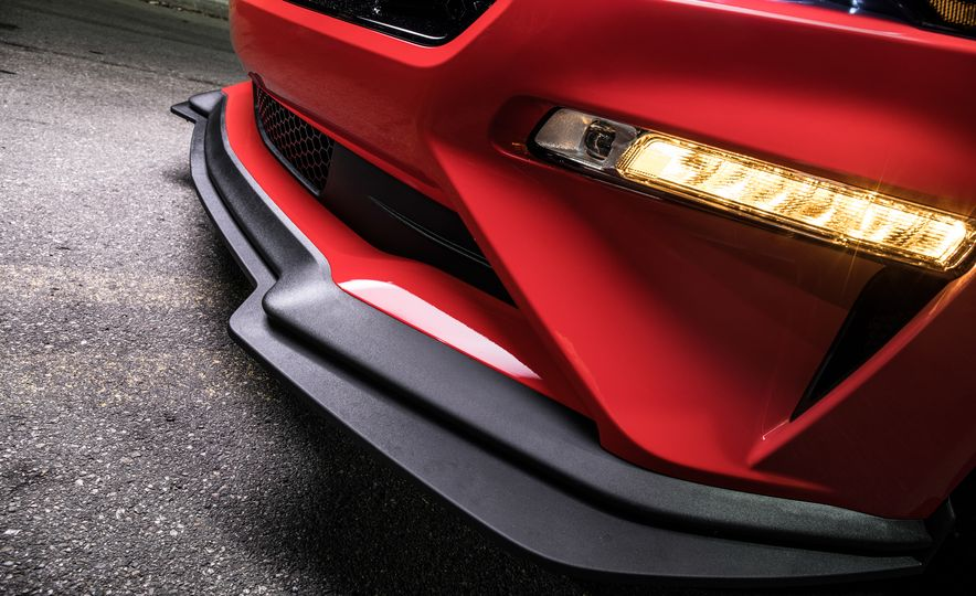 2018 Ford Mustang GT with Performance Pack Level 2 - Slide 8