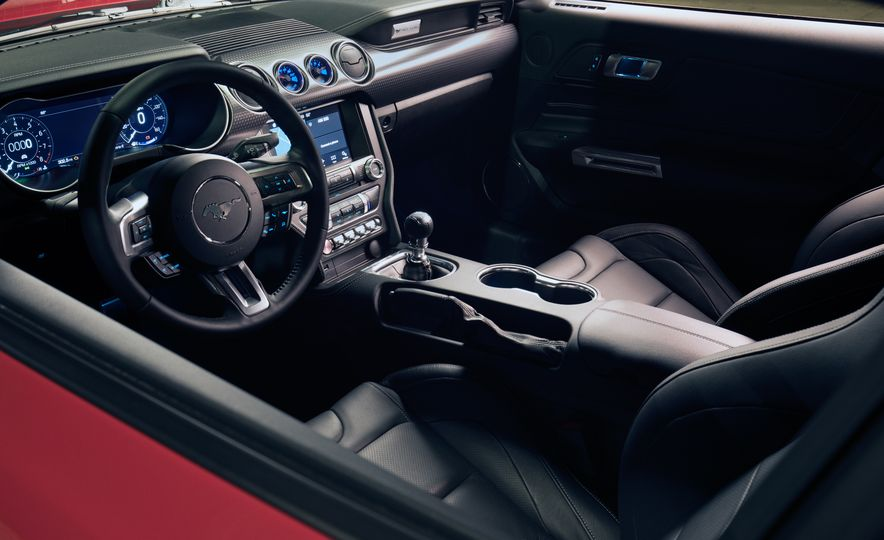 2018 Ford Mustang GT with Performance Pack Level 2 - Slide 13
