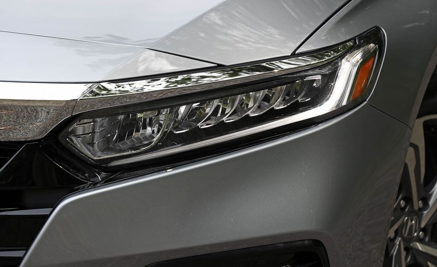 2018 Honda Accord 1.5T - Slide 25