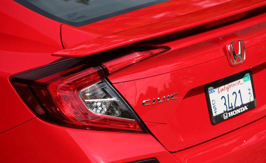 2017 Honda Civic Si Sedan - Slide 32
