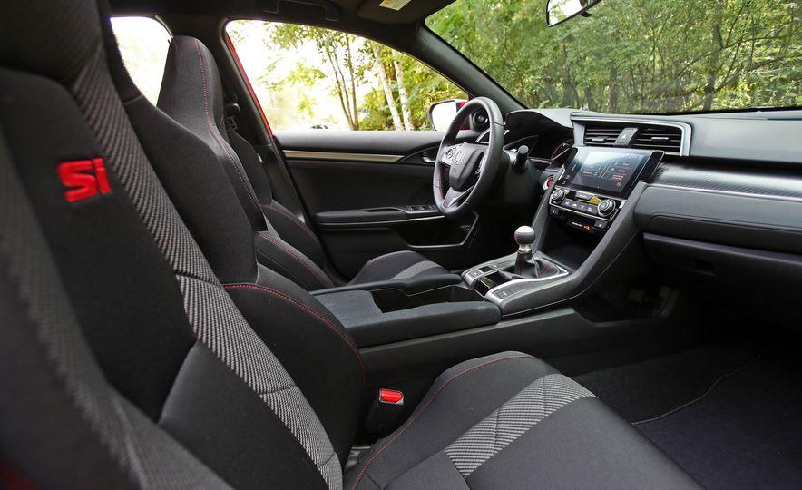 2017 Honda Civic Si Sedan - Slide 40